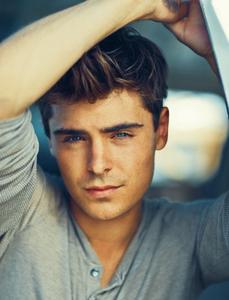 beautiful-blue-eyes-boy-celebrit