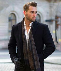 smart-casual-dress-code-men-mid-