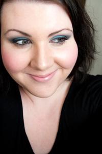 estee-lauder-blue-dahlia-look-2