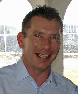 Clive Simpson - freelance writer & editor