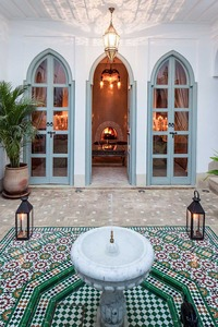 Marrakech: Brit owned riad courtyard