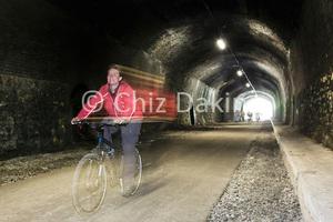PeakDistrict-Cyclist-AJE280010-b