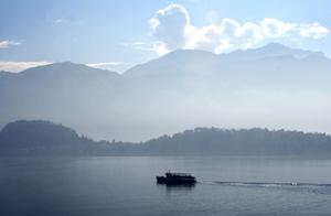Photography boat on Lake Como