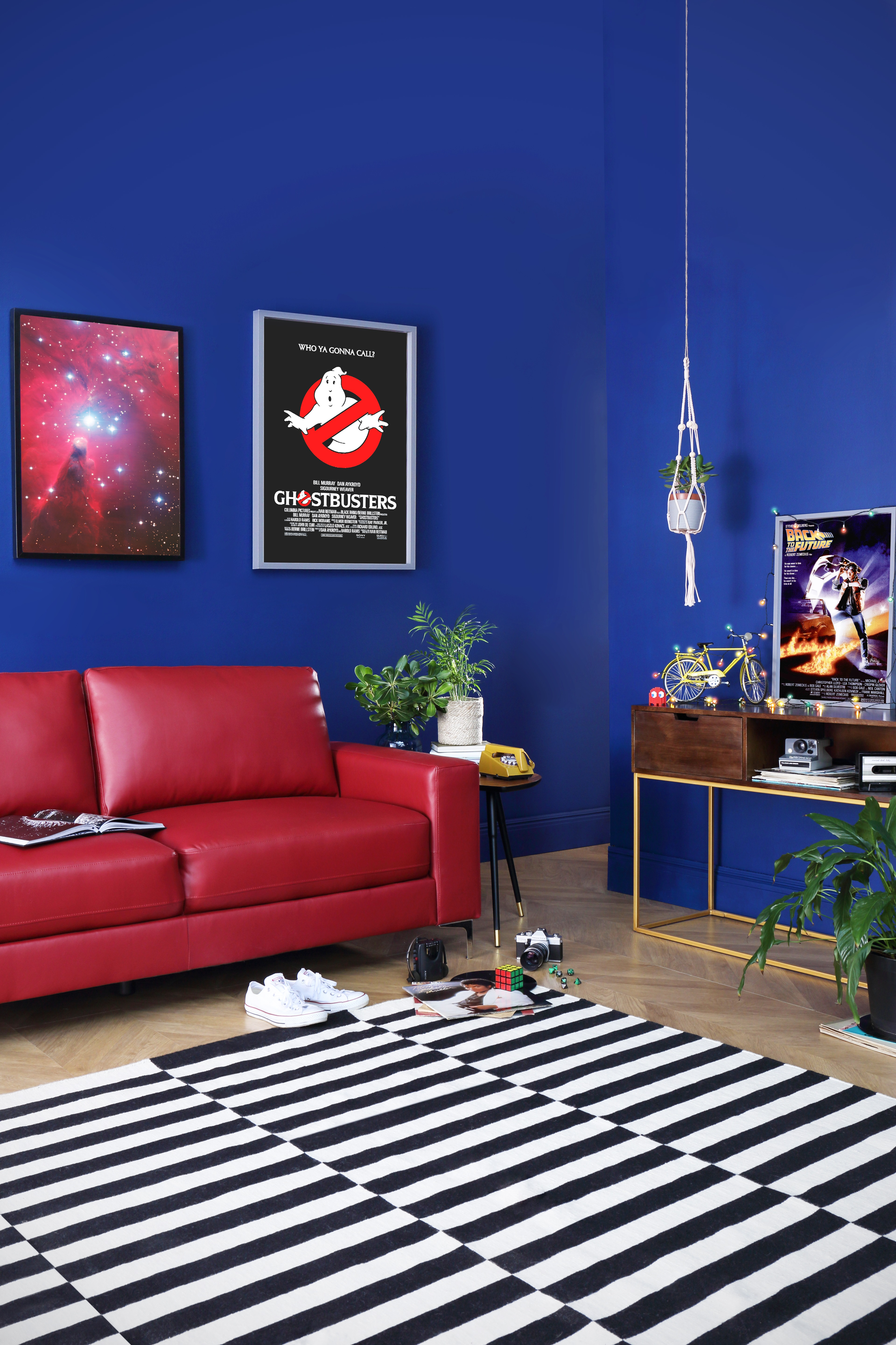 How To Style A Stranger Things Themed Living Room