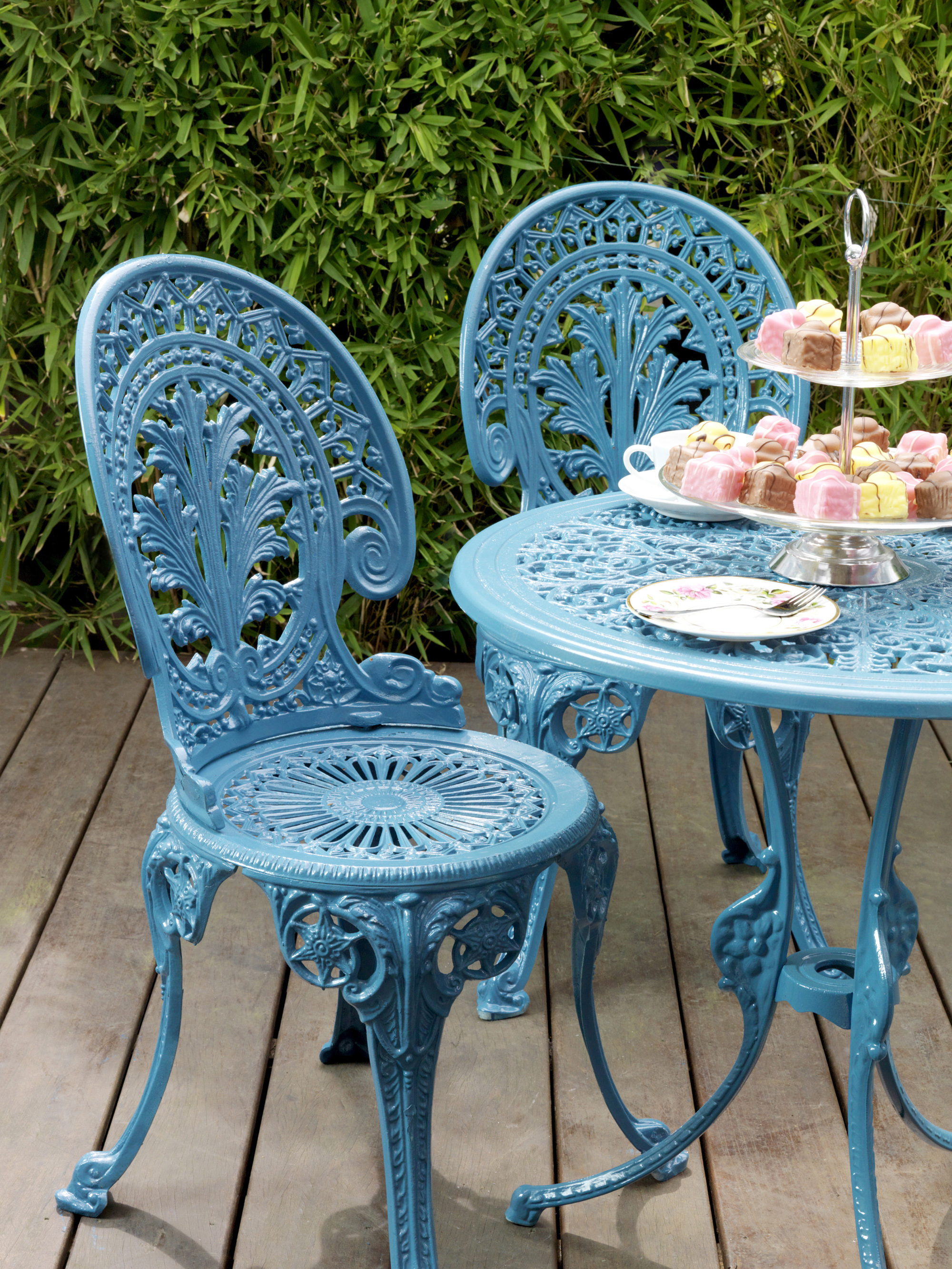 Restoring Metal Garden Furniture This Autumn