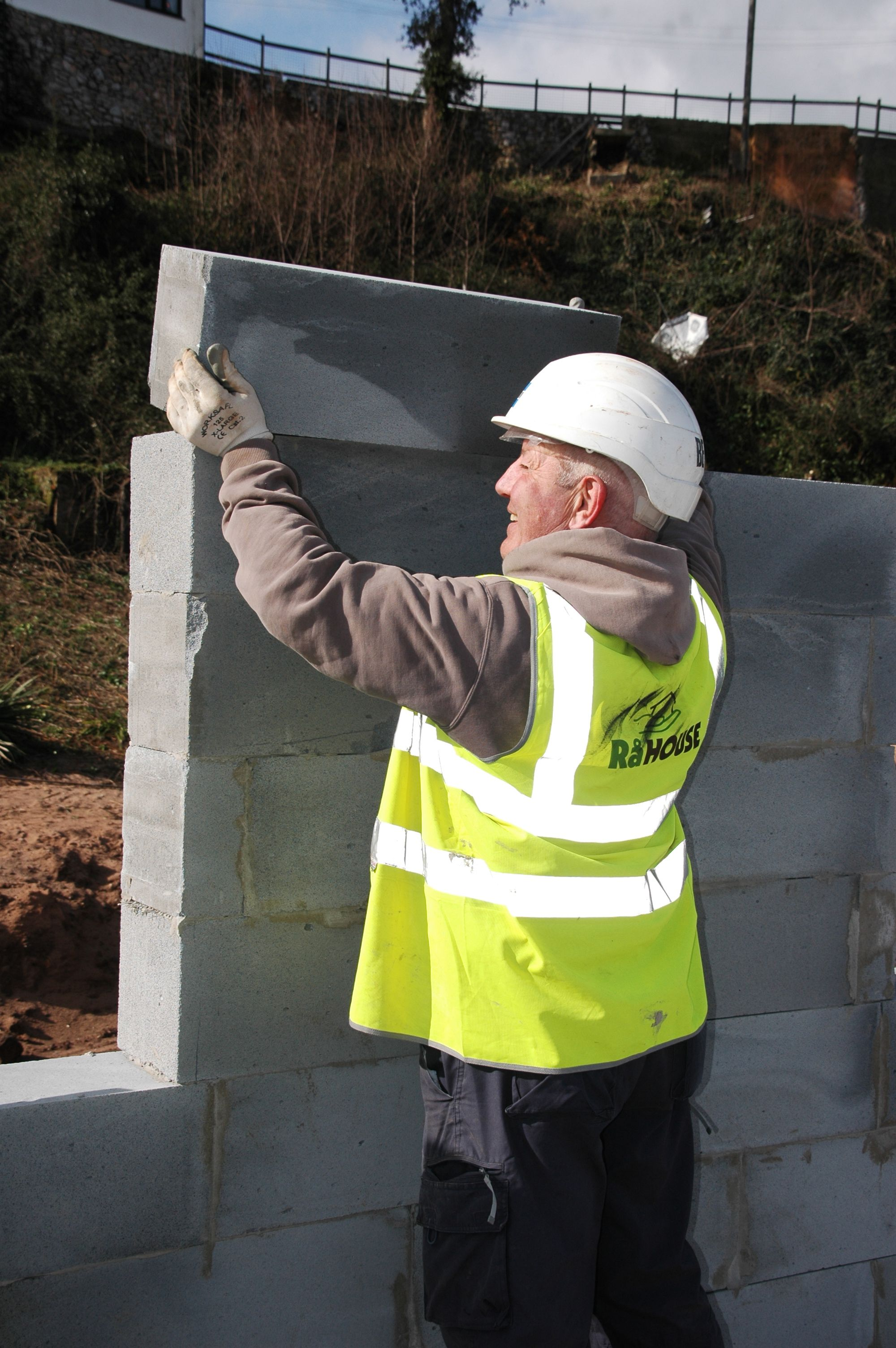 Aircrete Manufacturer Wages War on Paper with Help from