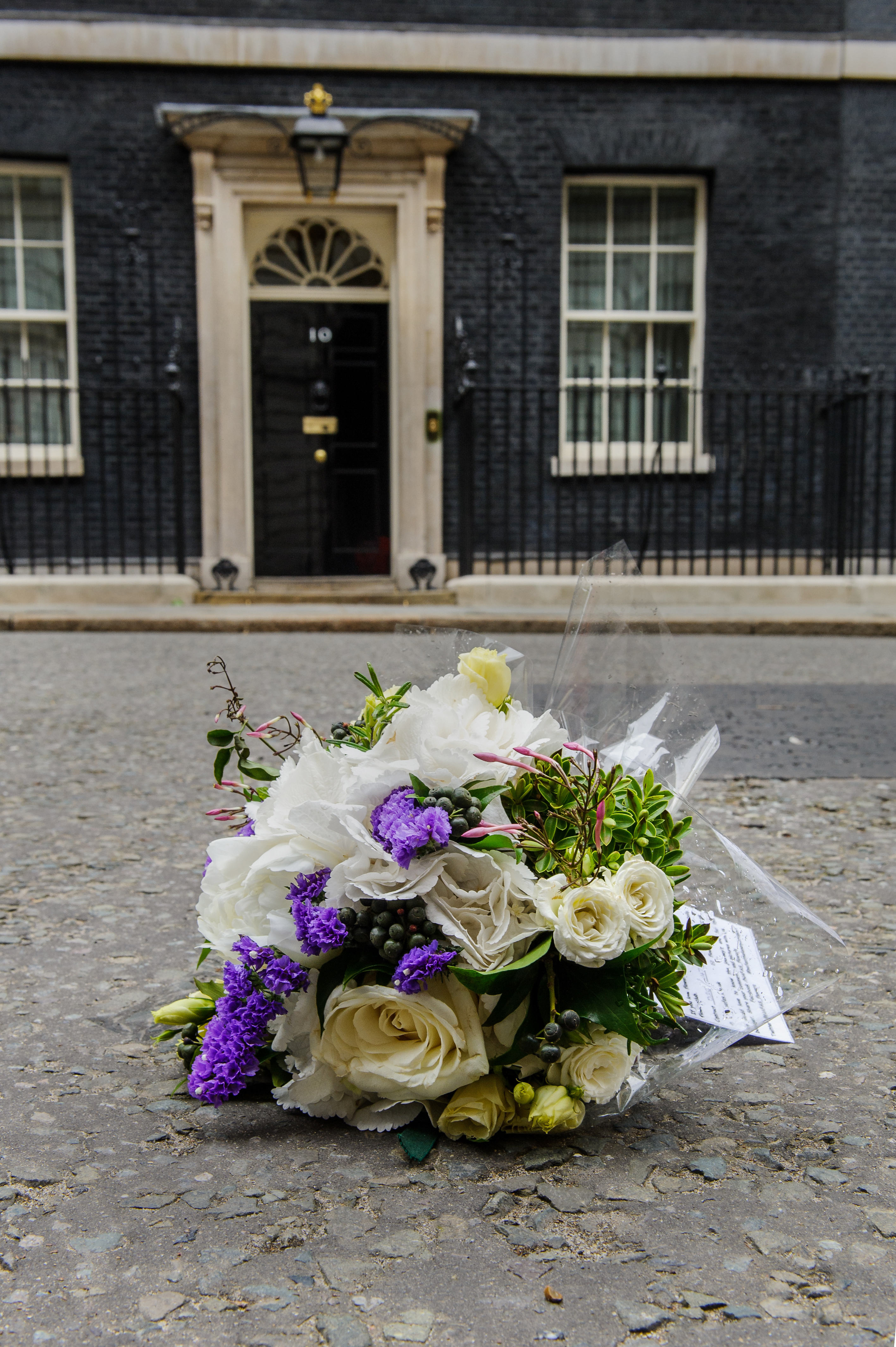 CHARITY TO DISTRIBUTE 60,000 \'LONELY BOUQUETS\' ON NATIONAL FLOWER ...