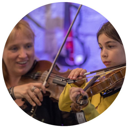 Free violin lessons Yamaha Music Store
