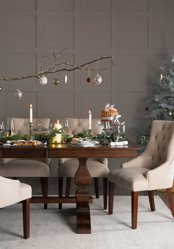 & 4 Trendy tips to style your Christmas Dining Table