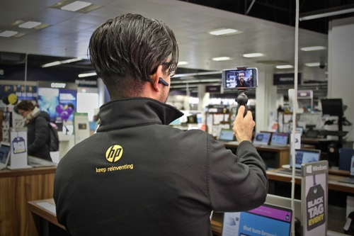HP Staff using Go Instore at Curry's PC