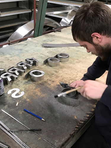 Optimism high in UK sign industry