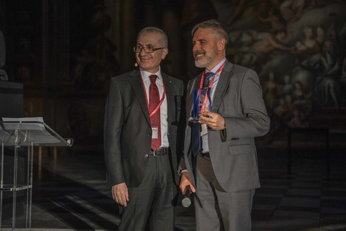 Mr Bongianni receives Award from IKE