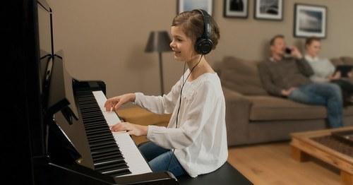 Yamaha SILENT Upright PianoTM