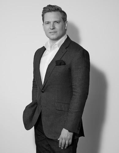 Jonathan Holmes CEO LuxDeco