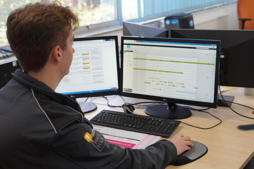 système de livraison complexe sur ordinateur