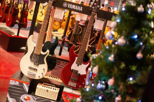 Sofa Rockstars to Guitar Heros