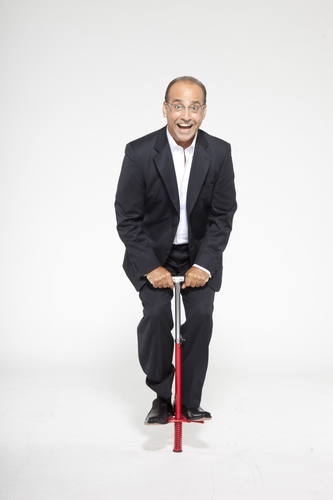Theo Paphitis caught pogoing