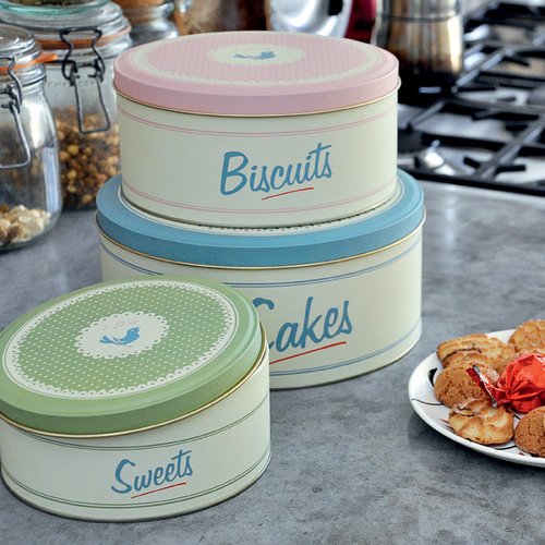 Set of 3 cake tins from our Pantry range