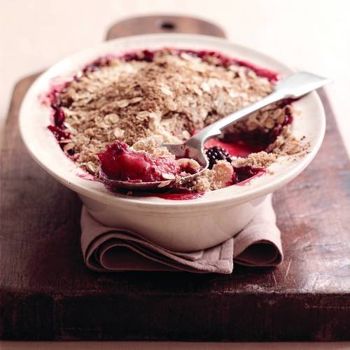 Loseley's Blackberry & Apple Oat Crumble