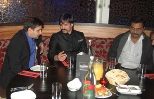Vivek Oberoi visits Chak 89