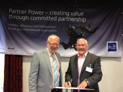 m-hance and Partner Power signing