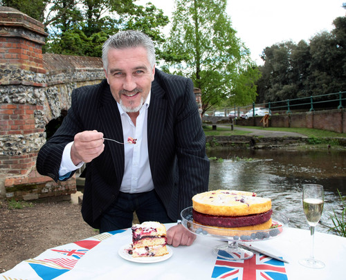 Paul Hollywood and Vintage Summer Cake