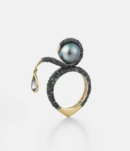 Pearl ring by Leyla Abdollahi