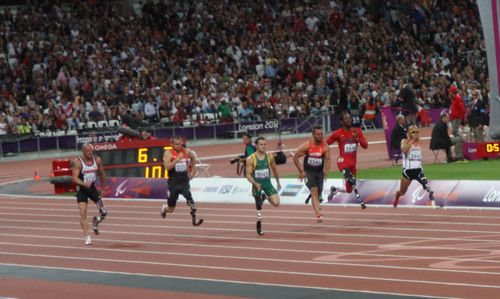 Heinrich runs to victory