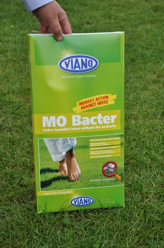 MO Bacter removes moss from lawns