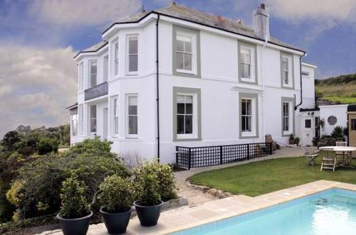 Large country house to rent