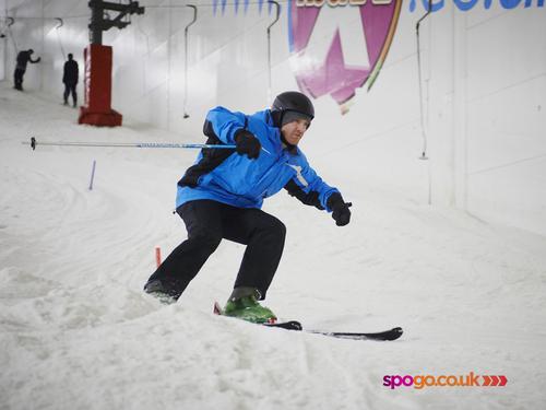 Iwan Thomas takes to slopes