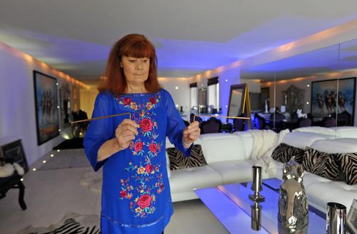 Suzi Morris - The House Healer