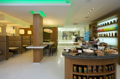 Café with Meru Wi-Fi at Dryland Club