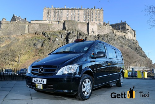 Gett Taxi in front of Edinburgh Castle
