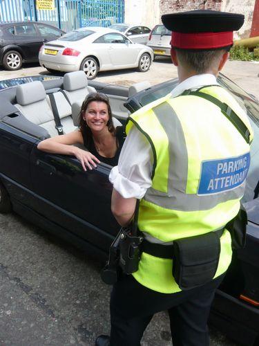 A diva driver flirting!