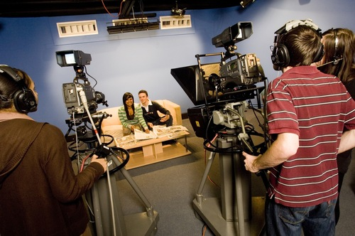Journalism students behind the cameras