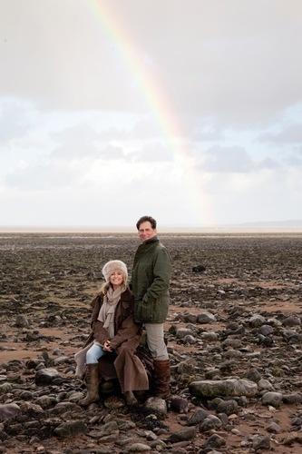 Simon MacCorkindale & Susan George.