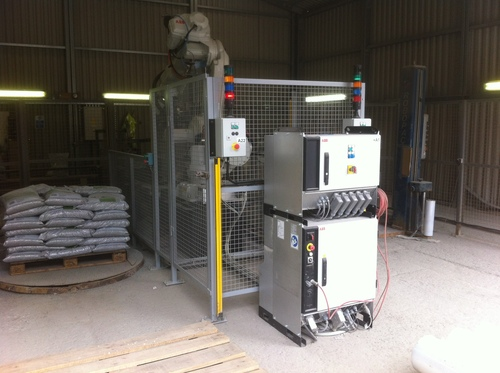 The IRB 6640 can stack 4,000 bags