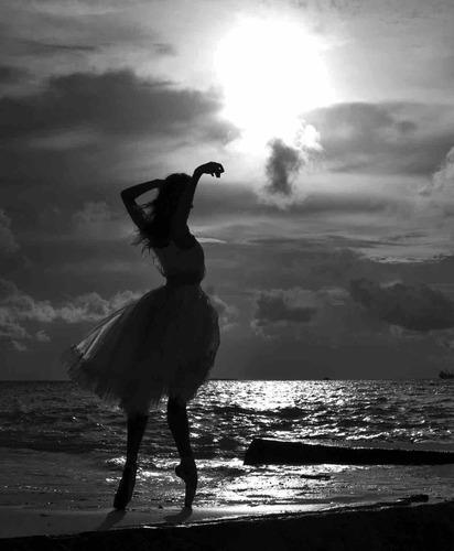 Andre Uspenski beach dancer