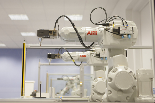 Refurbished robot training centre
