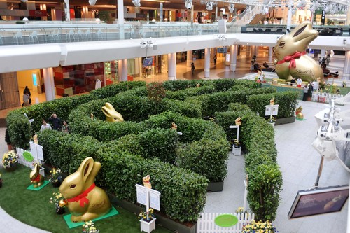 LINDT GOLD BUNNY MAZE AT WESTFIELD